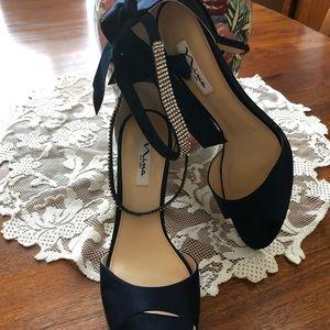Nina New York dress shoes. Classy heel.